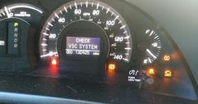 Той има хибридна Toyota и му искаха 4500 долара за поправка! ВИЖТЕ как реши проблема САМО с 10 ДОЛАРА! (СНИМКИ)