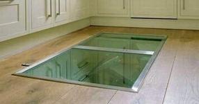 Този мъж монтира тайна врата на пода в кухнята. Причината? Гениална! (СНИМКИ)