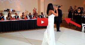 Младоженеца остави булката сама на дансинга. Това, което се случи след това? НЕВЕРОЯТНО! (ВИДЕО)