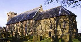 Двойка купува стара, изоставена църква... това, в което я превръщат ще накара челюстта ви да падне (СНИМКИ)