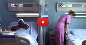 Сляп пациент моли сестрата да погледне през прозореца. Това, което вижда тя го изумява! (ВИДЕО)