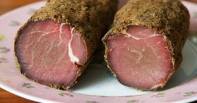 Приготвяне на пастърма в домашни условия: бързо, приятно и много вкусно!