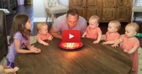 Когато таткото духна свещичките на тортата, бебетата реагират по неочакван начин! (ВИДЕО)