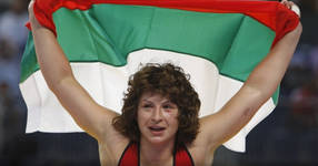 """Помните ли златното момиче на България Станка Златева? Не е за вярване как ѝ се """"отблагодарява"""" федерацията по борба"""