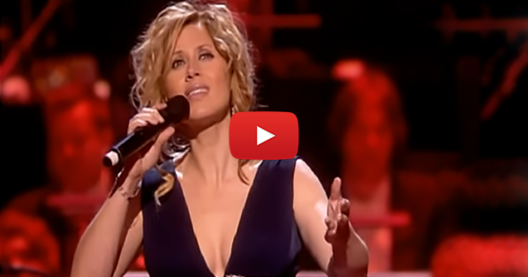 Това изпълнение на Лара Фабиан ще ви накара да НАСТРЪХНЕТЕ! Насладете се на гласа на тази велика певица! (ВИДЕО)