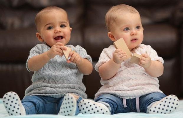 близначета изненада