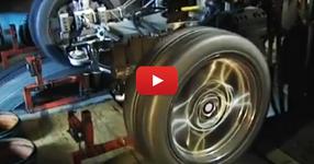 Изпитателен стенд ПОКАЗВА нагледно КАК РАБОТИ окачването на автомобила в движение! (ВИДЕО)