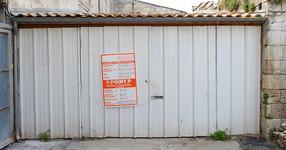 Нямал пари да си купи апартамент, така че си купил гараж. НО само вижте какво е направил от него! (СНИМКИ)