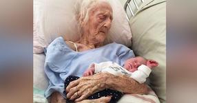 Тази снимка зарадва милиони хора: Снимка на новороденото и неговата...