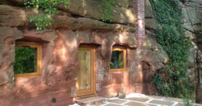 Мъж трансформира 700-годишна пещера в къщата на мечтите си. Изчакайте, докато не видите това, което се крие вътре! (СНИМКИ)
