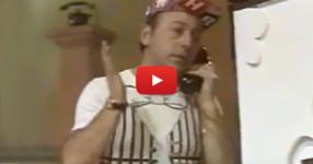 Нека си припомним един от най-популярните скечове на ТОДОР КОЛЕВ! Няма такъв смях! (ВИДЕО)
