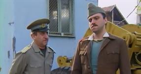 Помните ли Редник Каракочев от НЛО? Нека си припомним великите скечове на Велко и Чочо! (ВИДЕО)