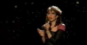 НИКОЙ друг артист не може да изпълни тази песен като тази жена! ЧУЙТЕ този ЗАШЕМЕТЯВАЩ ГЛАС!(ВИДЕО)
